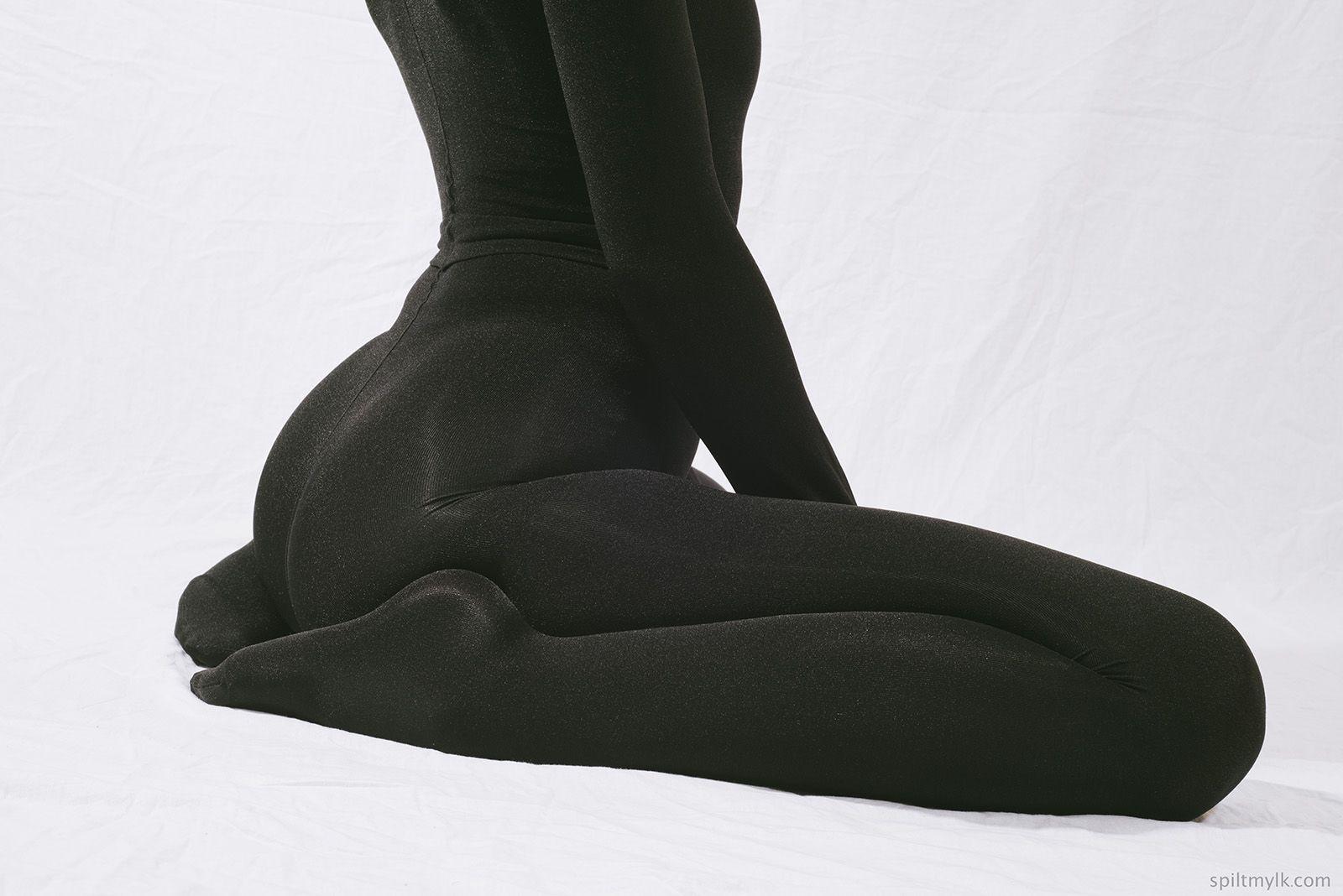 Pantyhose encasement both encased in apologise