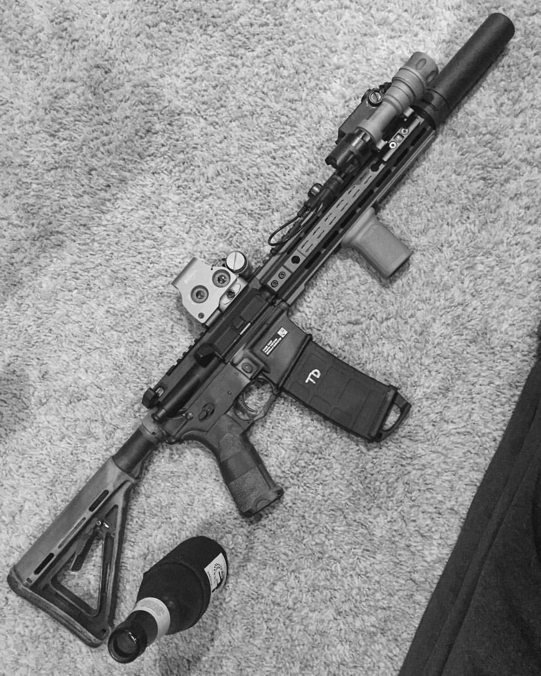 So hot right now. - - - - #ar15 #556 #bestgunsdaily #weaponsfanatics #sickgunsallday #firearmsdaily #weaponsdaily #weaponsreloaded #class3 #nfa #taxstamp #stampcollector #firearmphotography #gunfanatics #gunspictures #daily_badass #gunsdaily #proud2protect #gunporn #gun #rifleholics #nikon_photography_ #hotbrass365 #10point3inchmasterrace