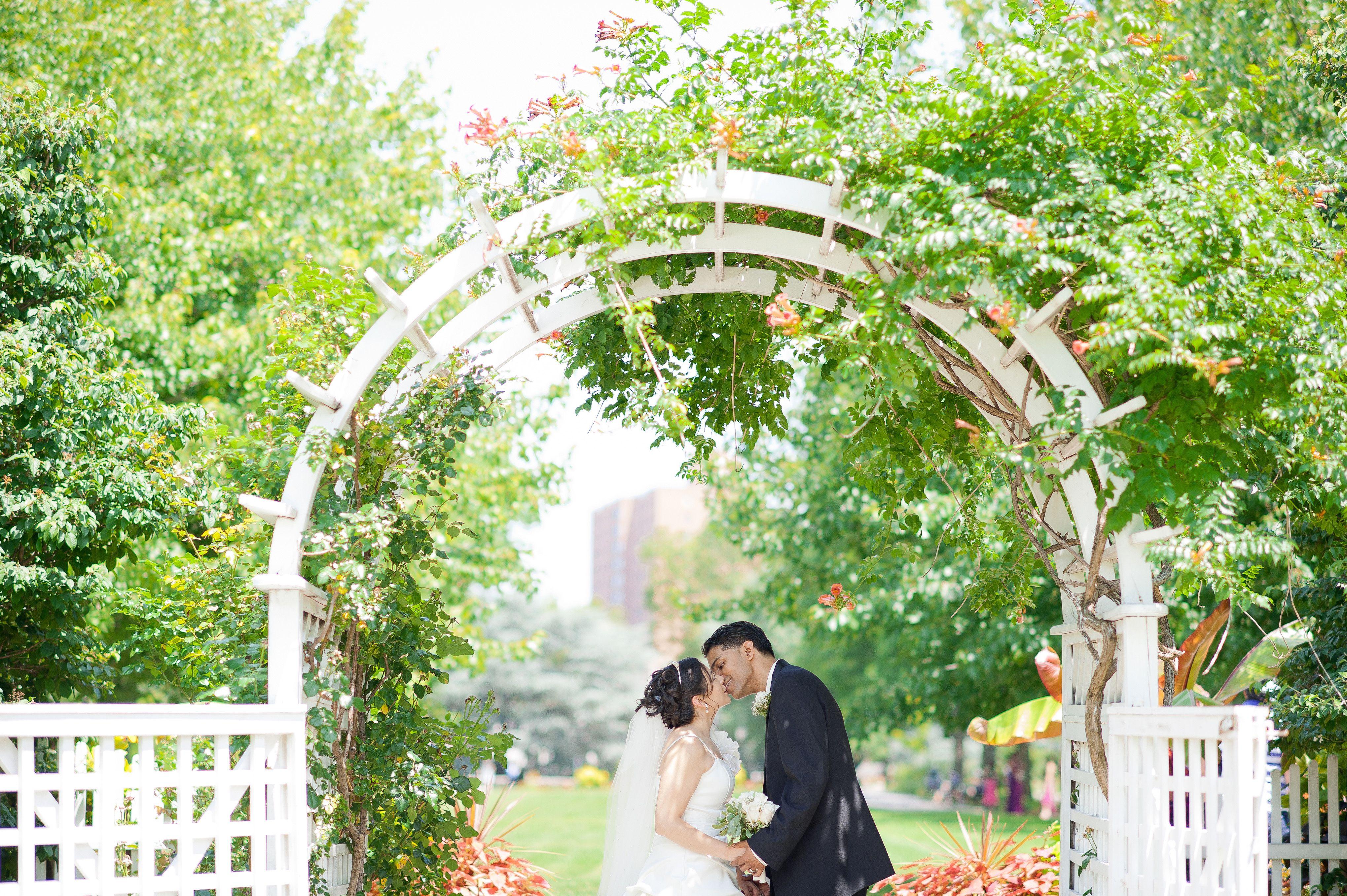 Celebrate Your Wedding At Queens Botanical Garden