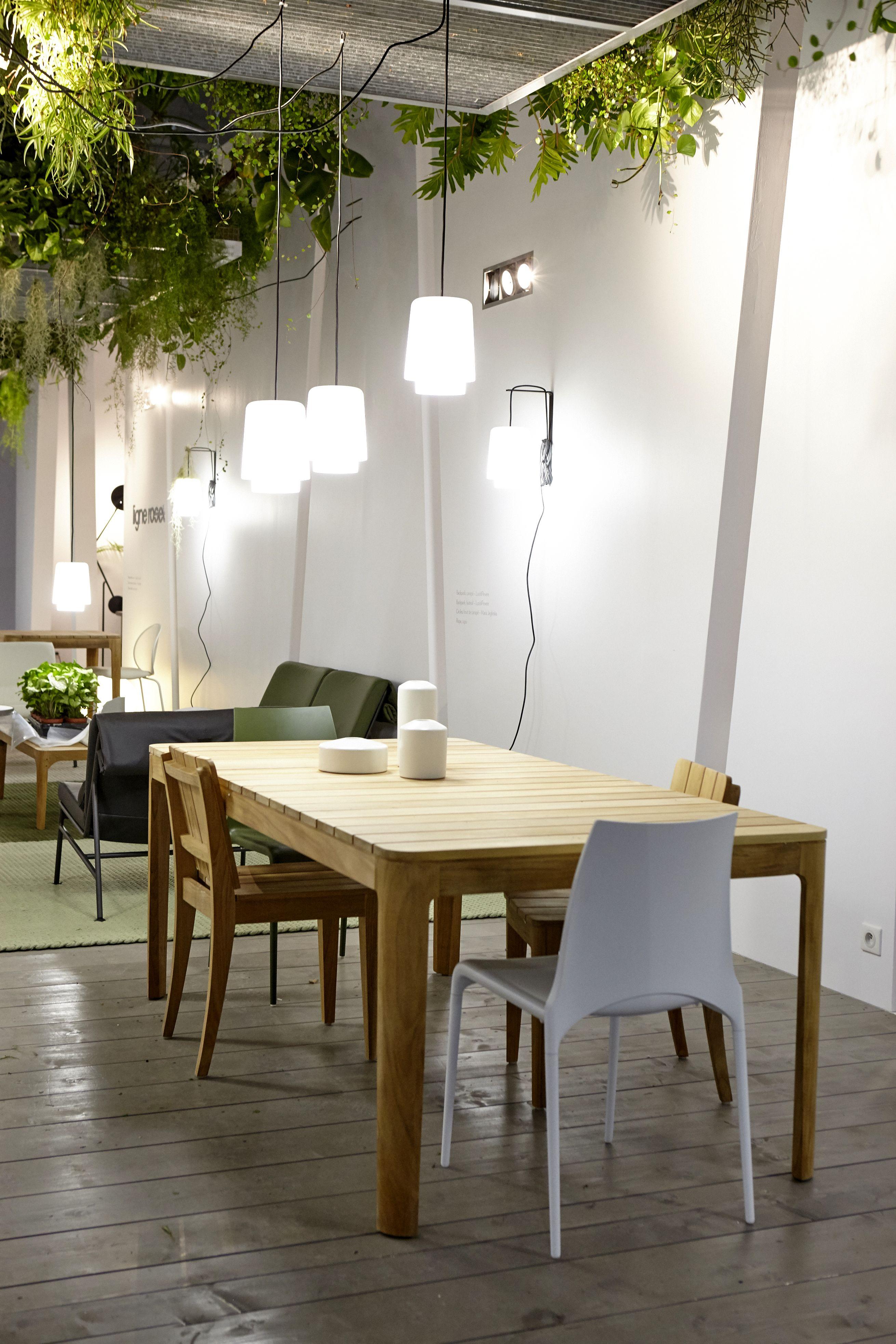 elizabeth dining table by nathan yong ligne roset m o. Black Bedroom Furniture Sets. Home Design Ideas