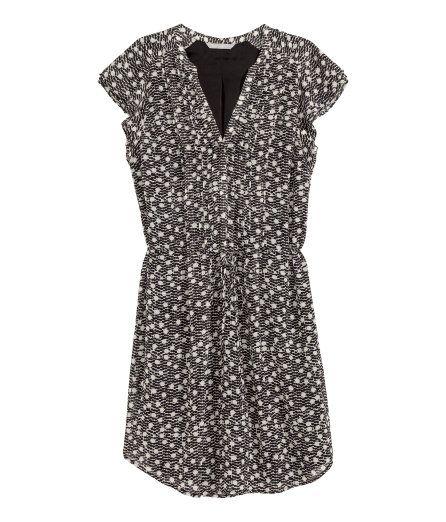 H&M Kleid mit Flügelärmeln 29,99 | Mode, Kurze kleider, Tuch