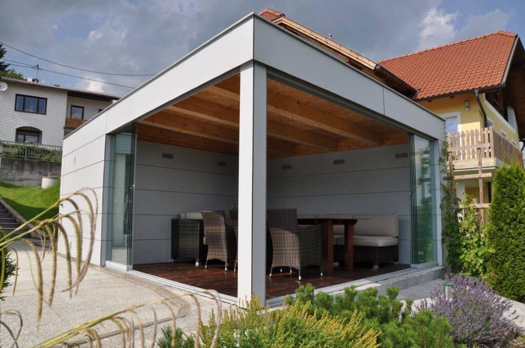 Offenes Poolhaus Mit Glasturen Zum Schieben Anbau Haus Poolhaus Glasschiebetur