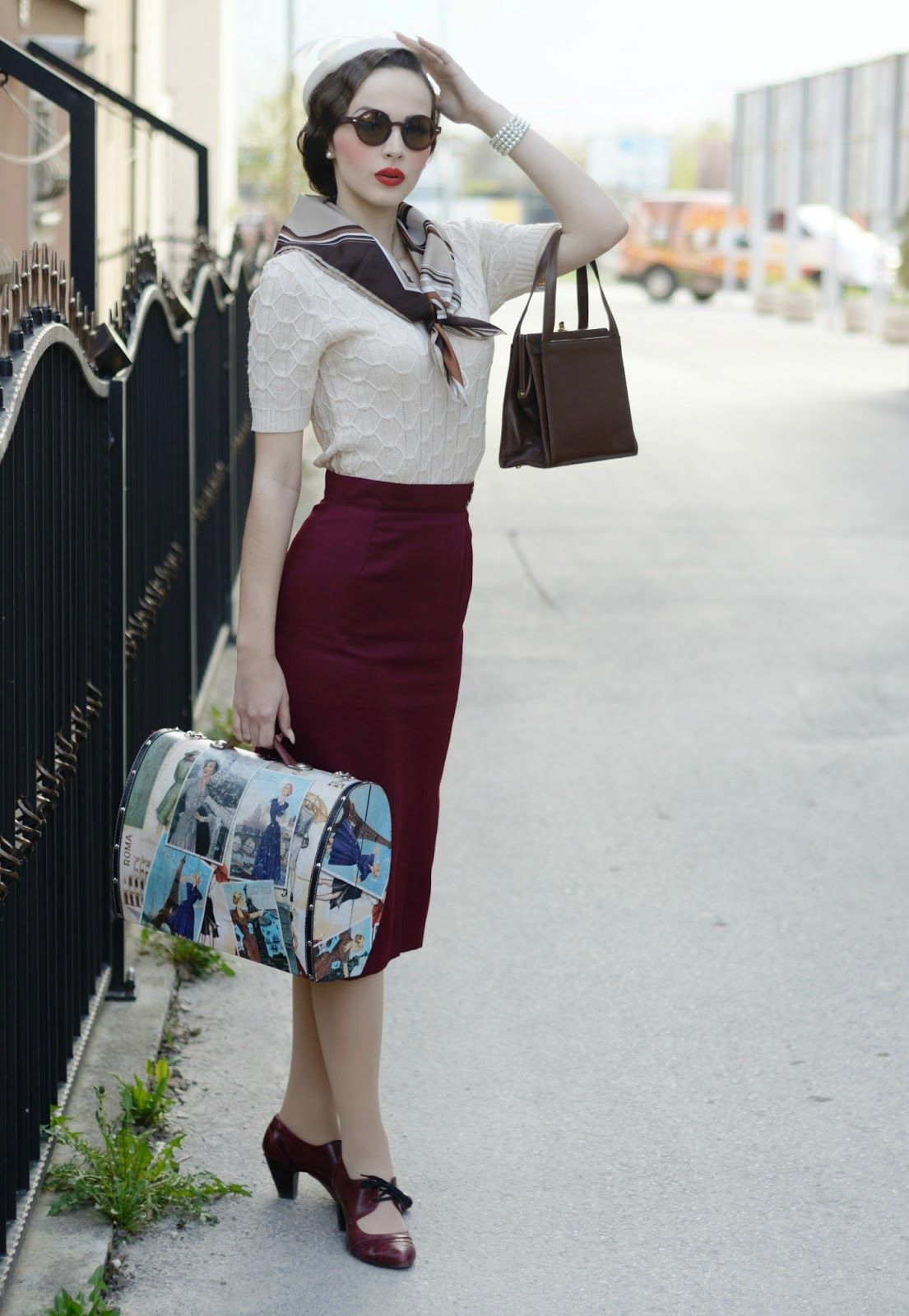 Red Skirt White Blouse And Blue Navy Top Scarf The Sailor Women Outfit Of 50 S Women Wore Classy Outfits In The 50 1940s Fashion 1930s Fashion Classy Outfits