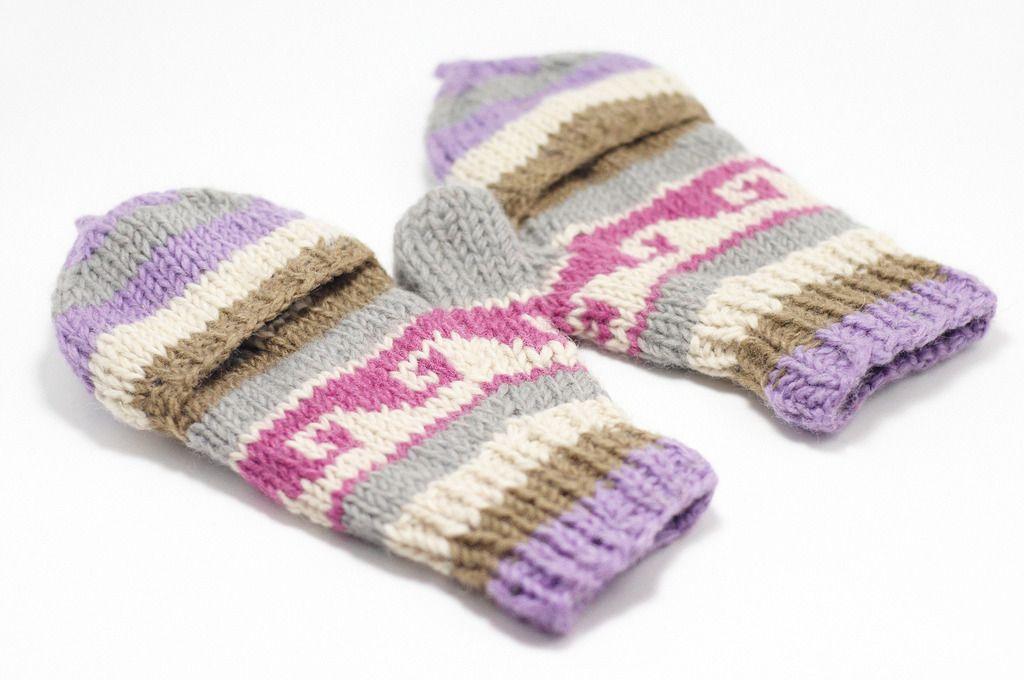 http://i1382.photobucket.com/albums/ah263/betweensummer/Gloves/_DSC0549_zpsp4q0bpej.jpg ▲天氣冷的季節,需要溫暖的陽光撒下,一雙保暖的手套是必要的,怕你著涼,讓他好好照顧你吧!  http://i1382.pho...