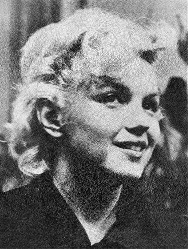 Marilyn at a press conference for Bus Stop at the Los Angeles Airport Lounge, February 25, 1956.
