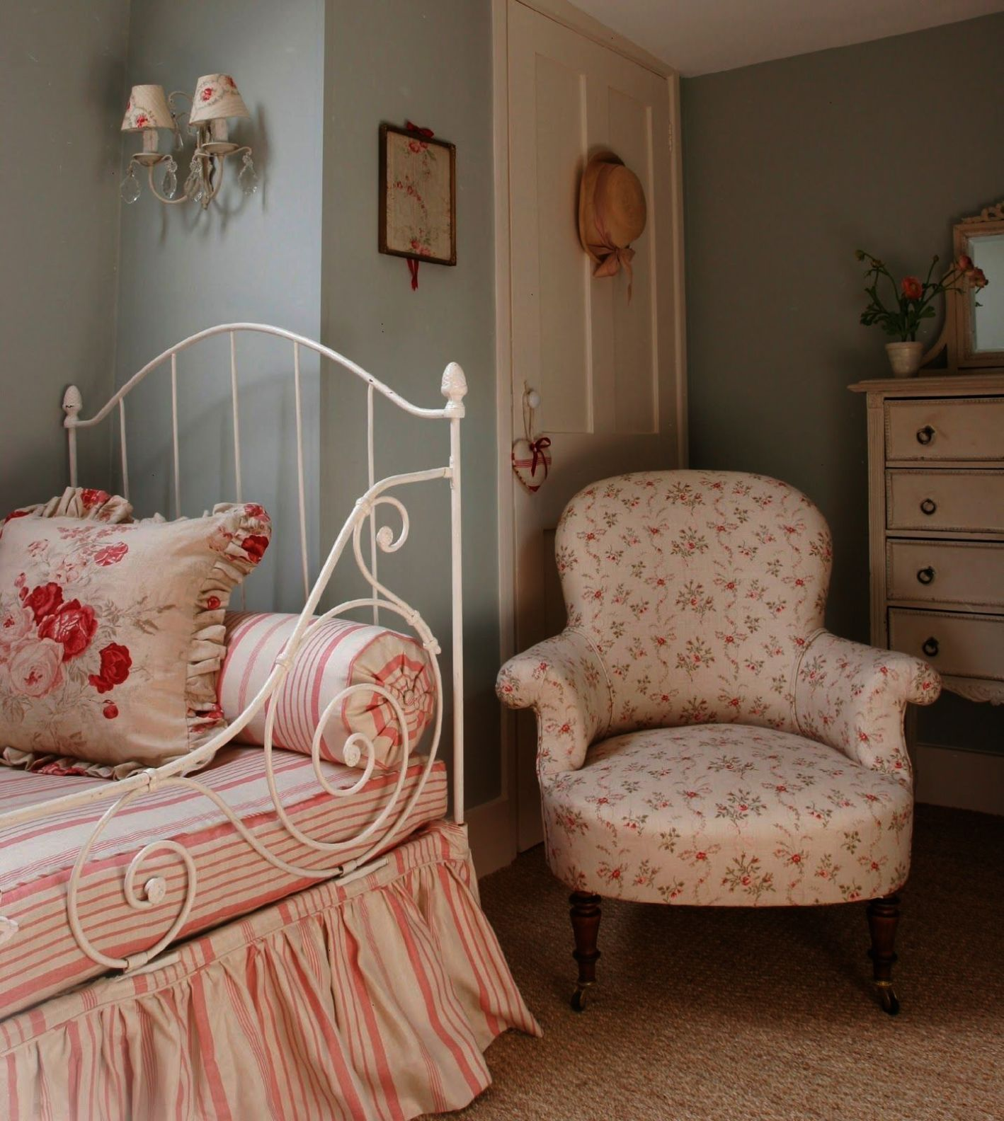 Shabby Chic Decor By Decorhomestyle Hydrangea Hill Cottage Kate Formans