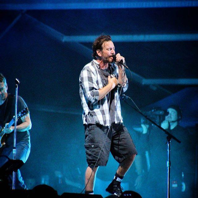 Pearl Jam Rio De Janeiro Maracana Stadium Rio De Janeiro Rj