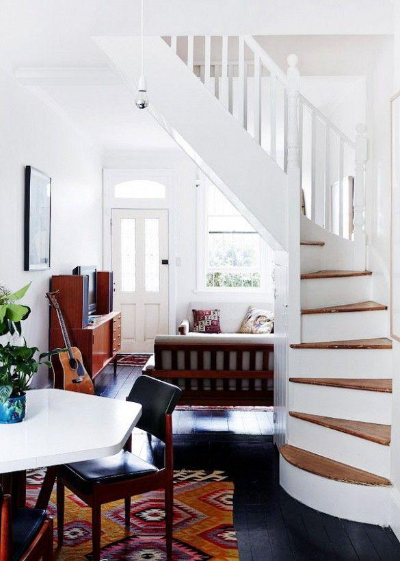 How to Display Musical Instruments as Décor Escalera, Interiores - diseo de escaleras interiores