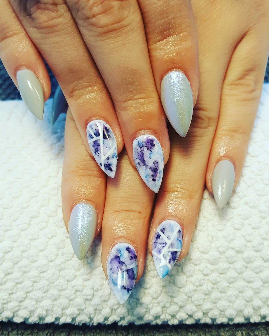 Acryl Nägel - clevere Lösung für brüchige Nägel - Nageldesign   Manicure