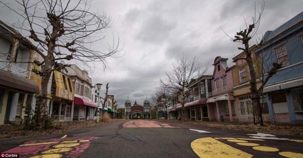 "The ""American Street"" in Nara Dreamland."