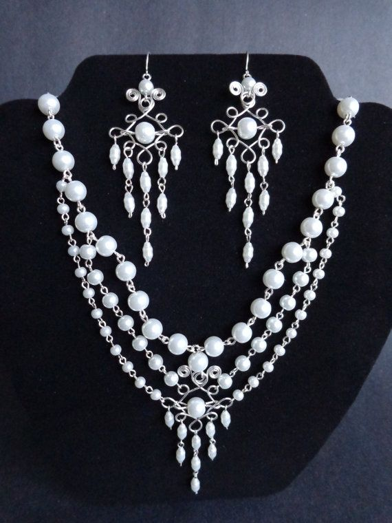 Pearls necklace and earrings, by IrisJewelryCreations