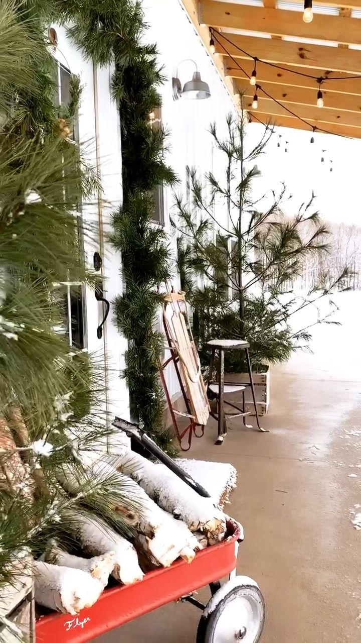 #fletchercreekcottage #diyhouse #diy #cottage #christmasdecor #puremichigan