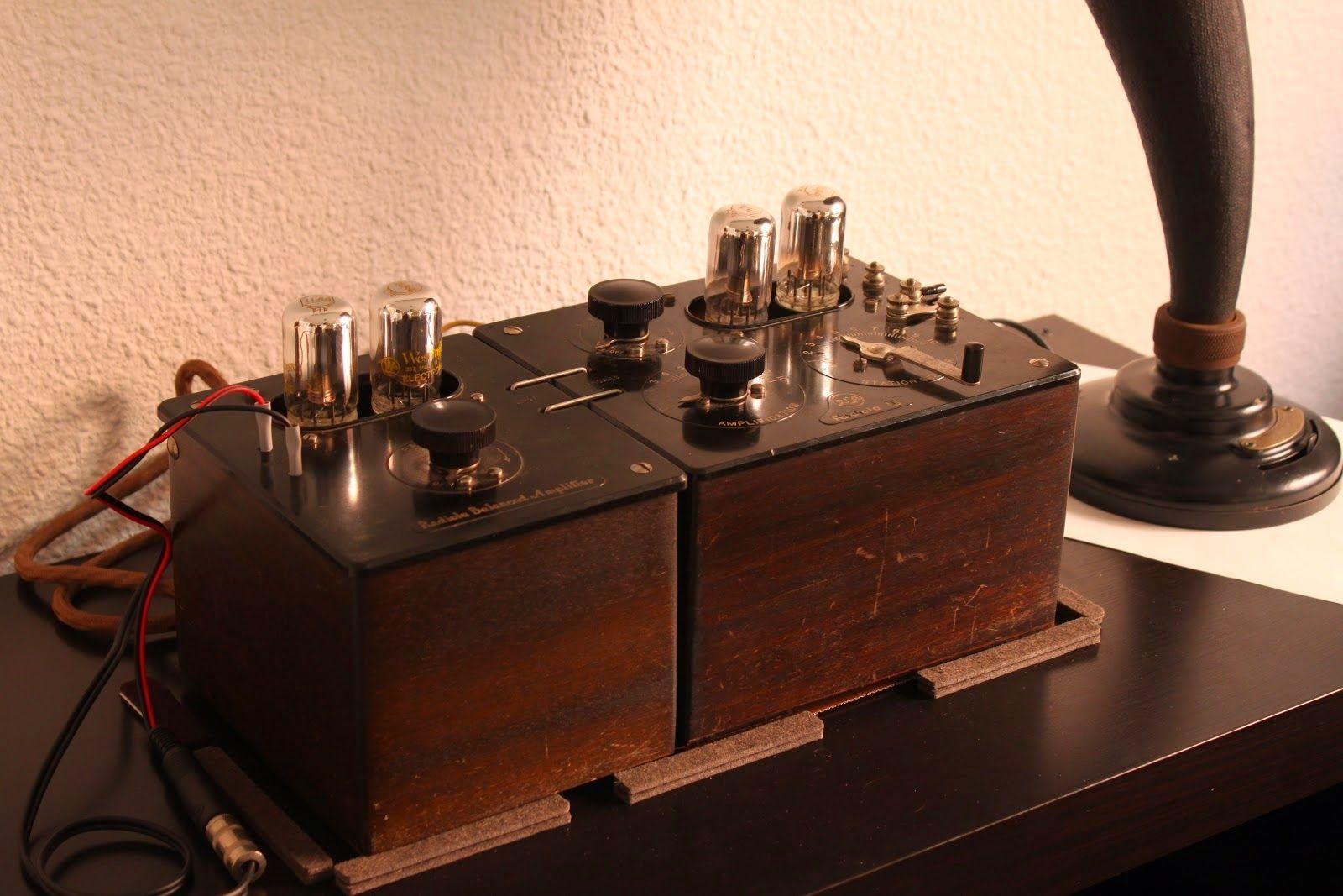 La Radio Invento que se valió del aporte de diferentes científicos de diferentes paises a fines del siglo XIX: como el ruso Aleksandr Stepánovich Popov; Nikola Tesla en Estados Unidos y Guillermo Marconi en el Reino Unido.
