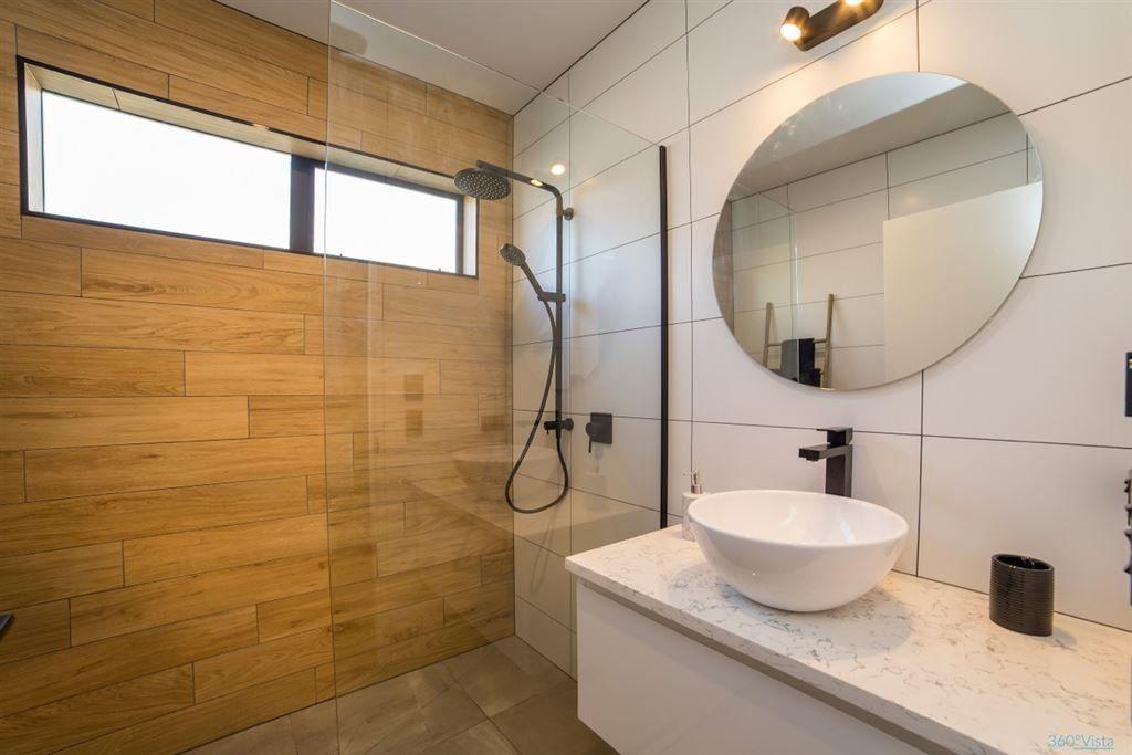 New Zealand Bathroom Ideas: Falconer Rise, Jacks Point
