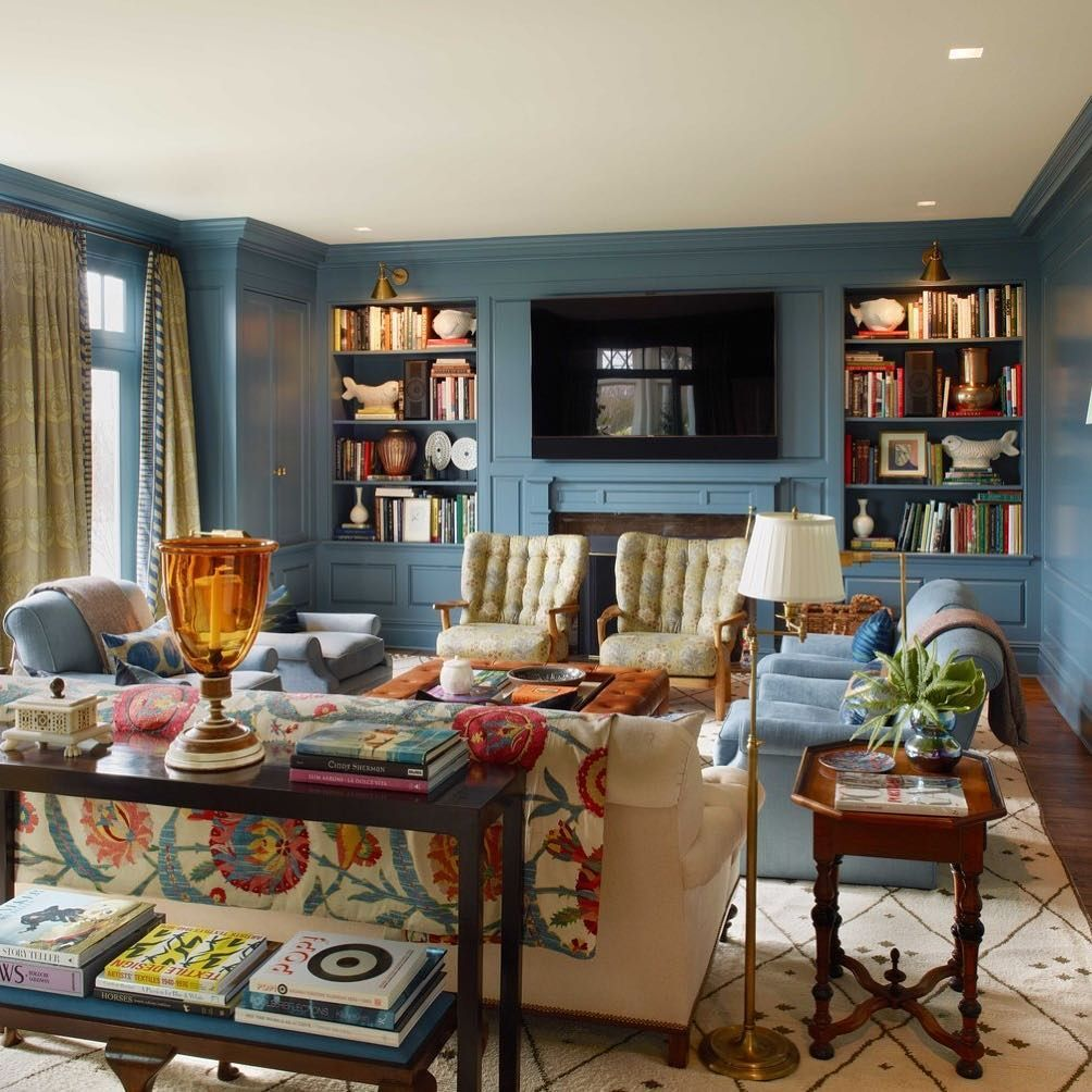 stunning east hampton living room design | We swoon over this East Hampton Living Room that Bunny ...