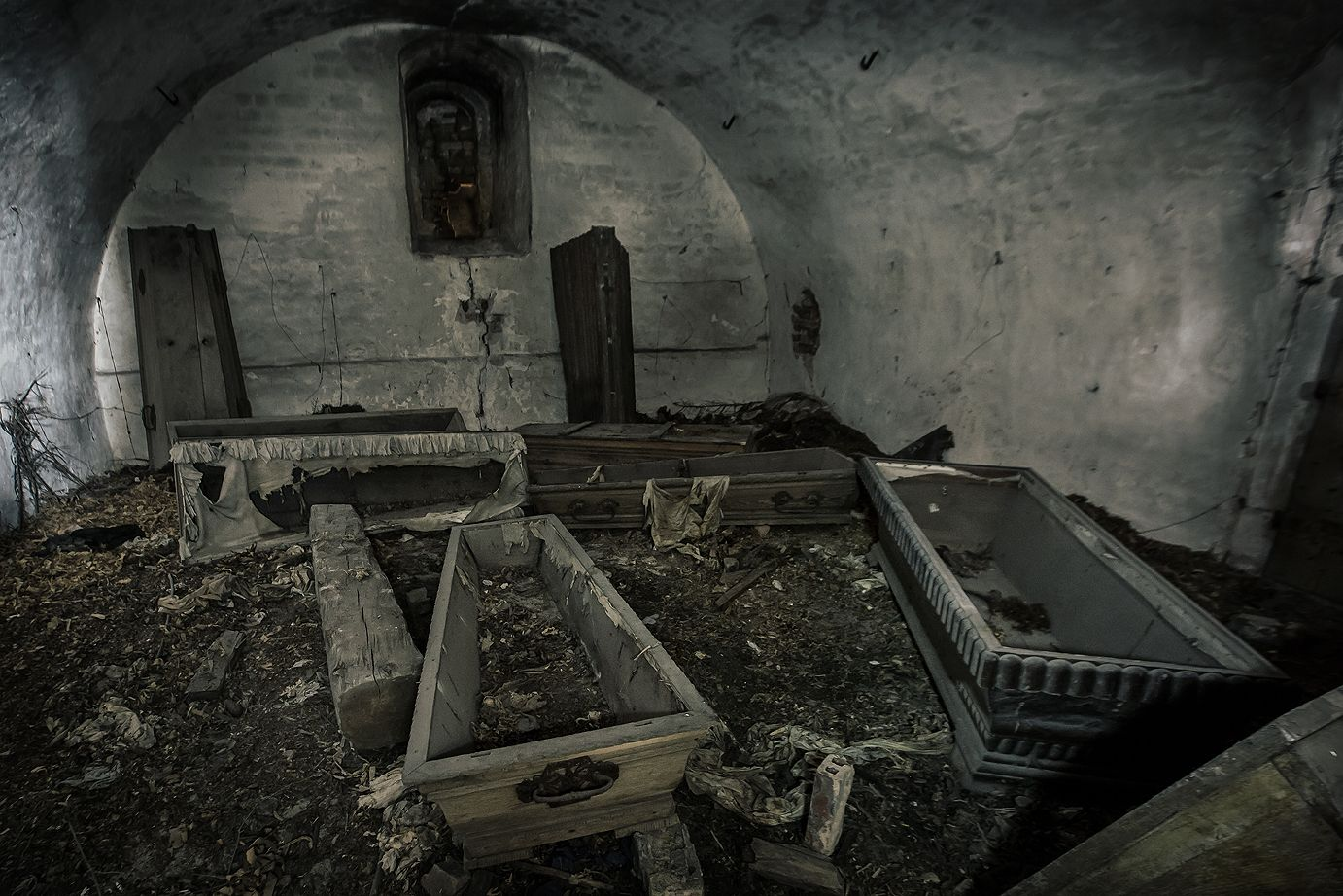 empty coffin - photo #39
