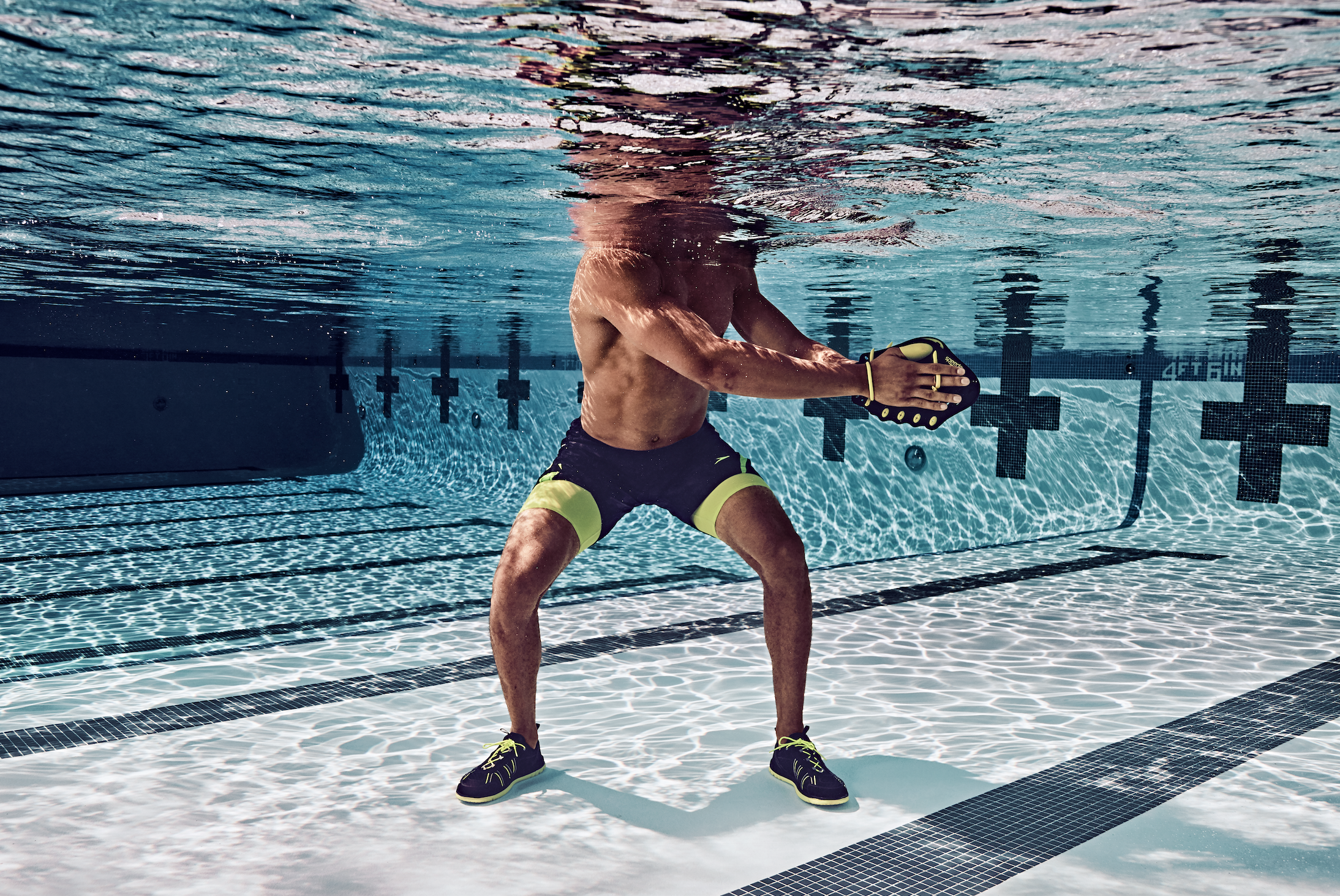 Strengthen Your Core By Incorporating This Move Into Your Routine Pool Workout Swimming Pool Exercises Exercise Pool