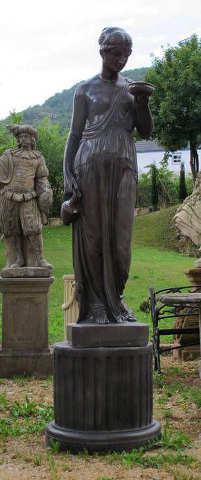 Stone and Garden - Statuen - Brunnen - Steinbänke: Frauenstatue ...