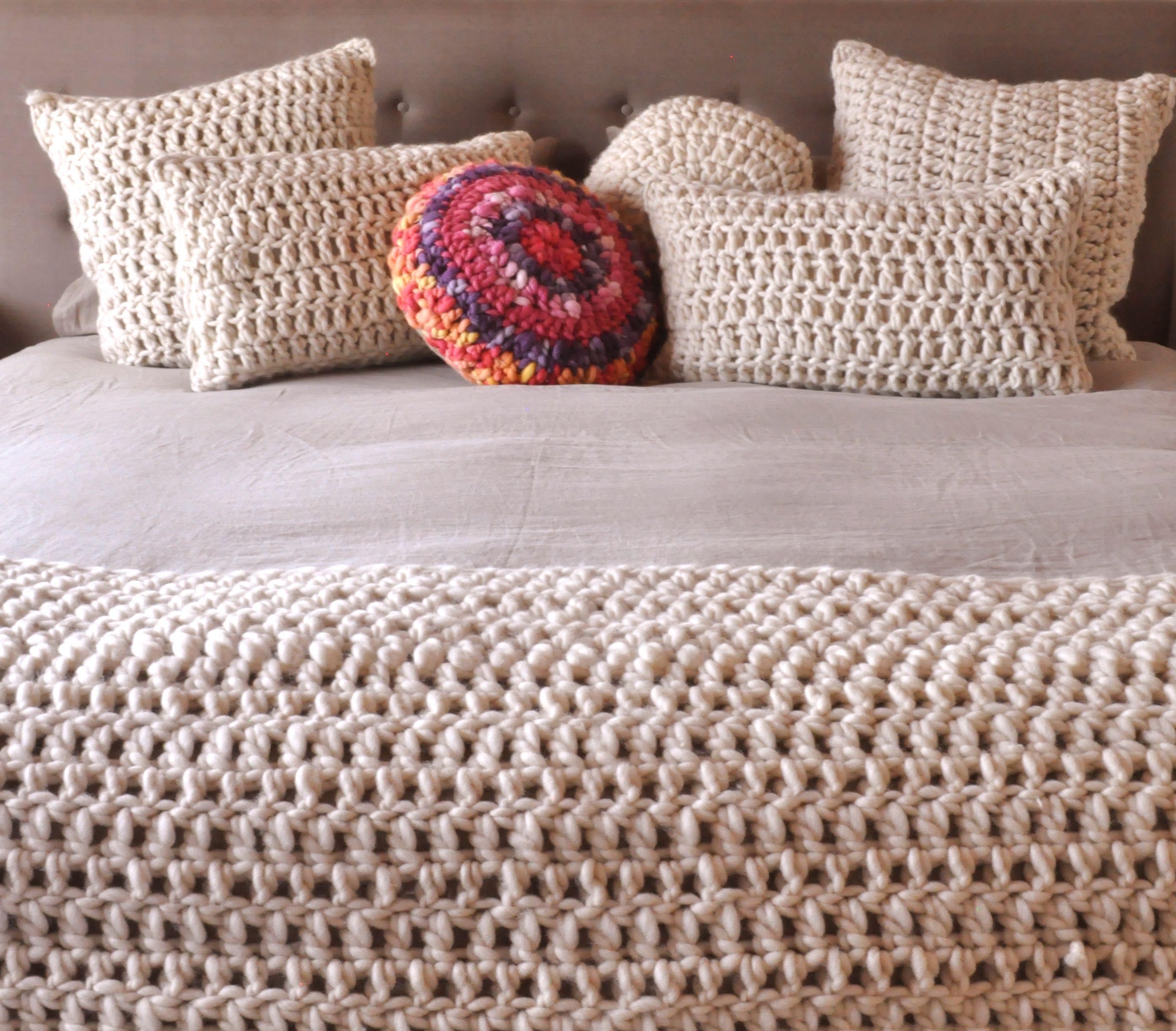 Almohadones tejidos a mano con lana pura. Tienda de Costumbres ...