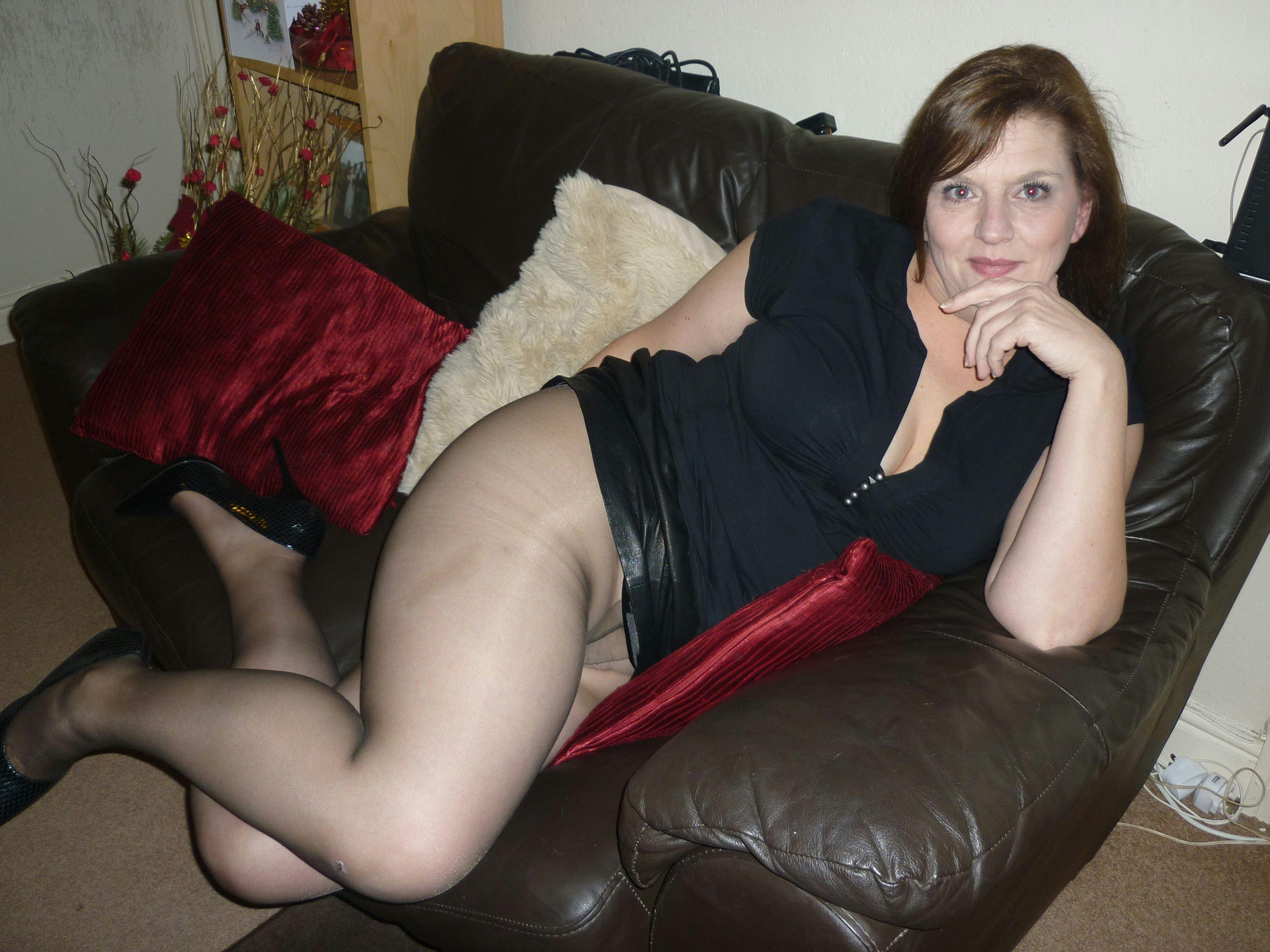 Mature pantyhose erotic