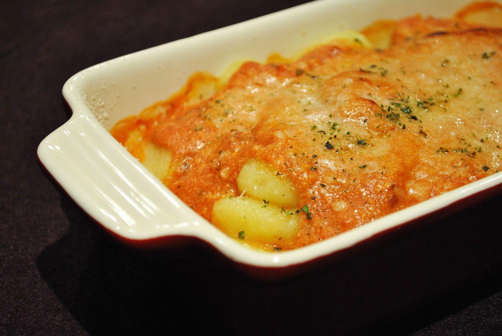 Küchenzaubereien: Überbackene Gnocchi in Tomaten-Ricotta-Soße