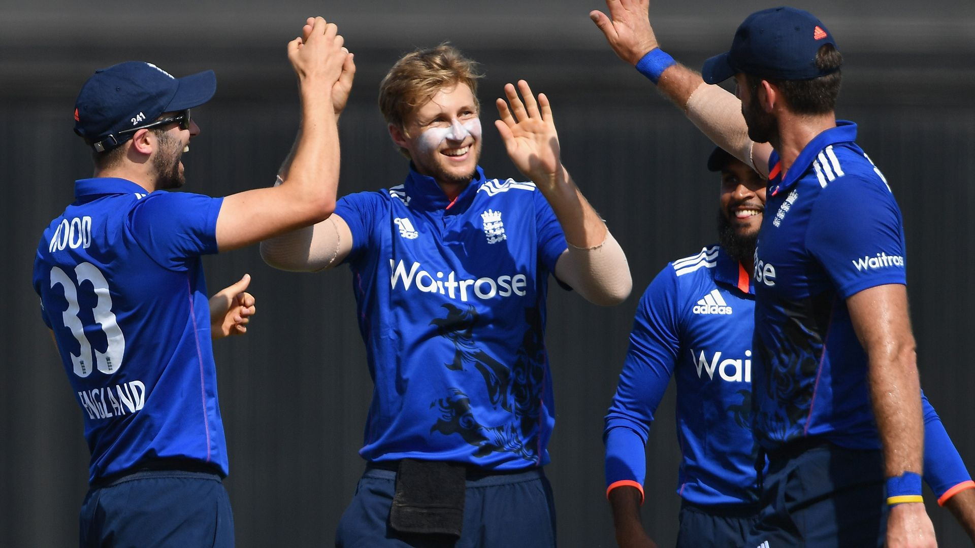 England v Pakistan Jason Roy and Joe Root propel England