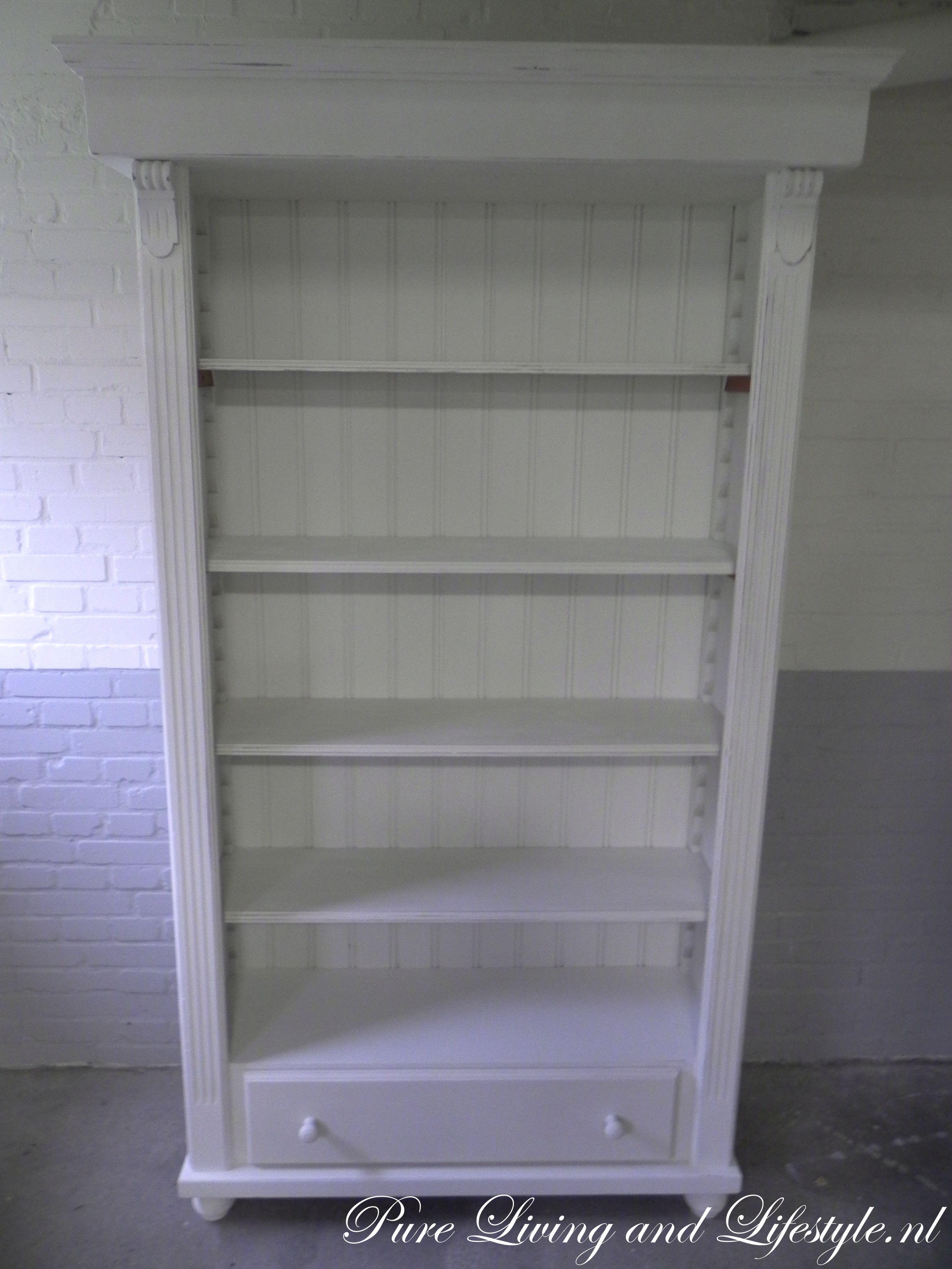 Brocante boekenkast wit - Packhûs // Portfolio | Pinterest ...