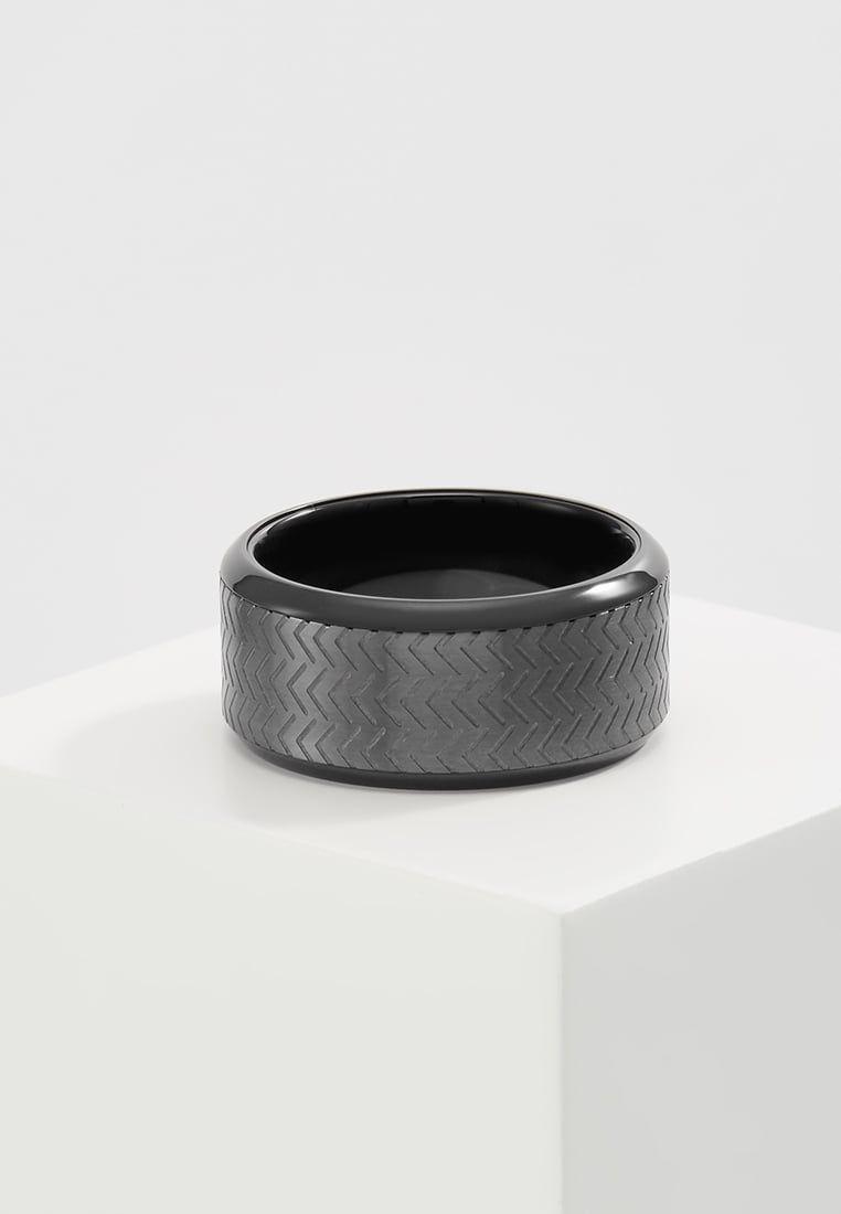 9626f9b2a02c ¡Consigue este tipo de anillo de Emporio Armani ahora! Haz clic para ver los
