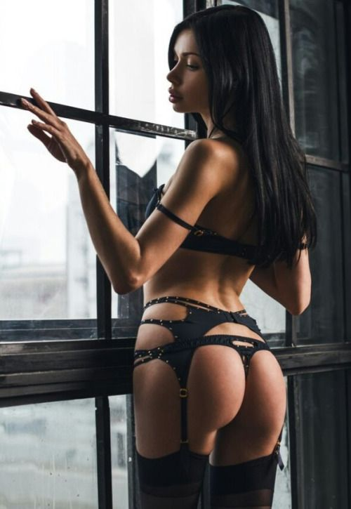 Milfs Boobs A Nd Thongs Beauty