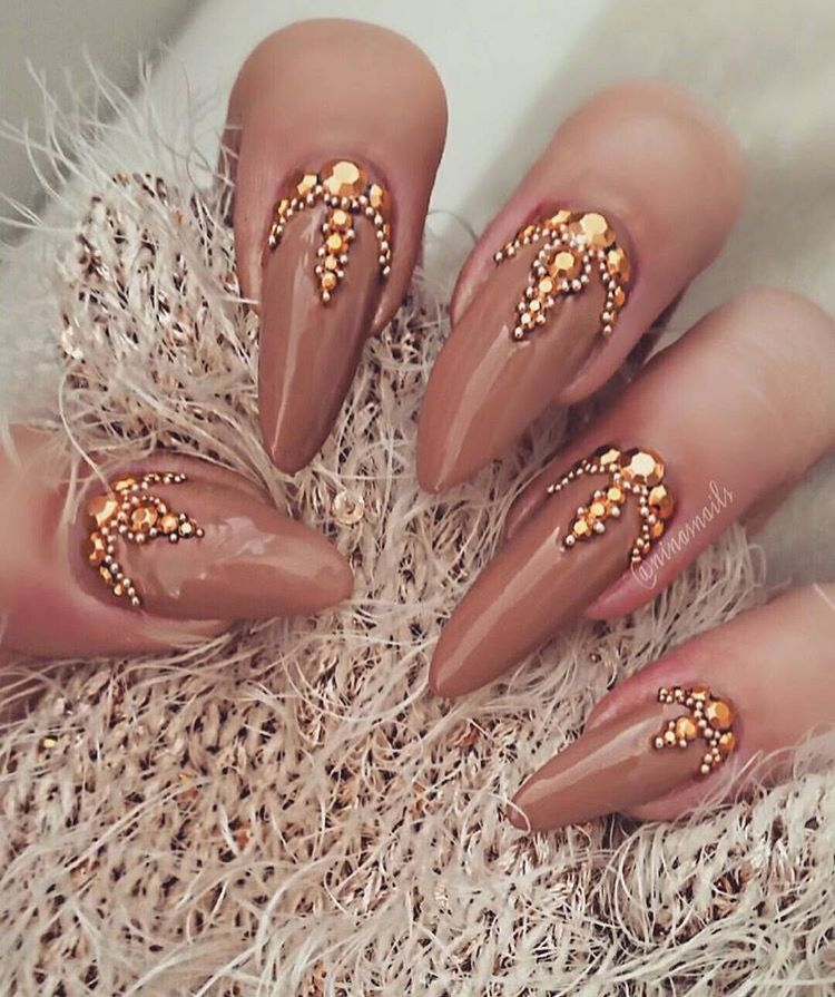 Nude Tan Gold Coffin Nails Nail Art Stiletto Nails Nails Und Indian Nails
