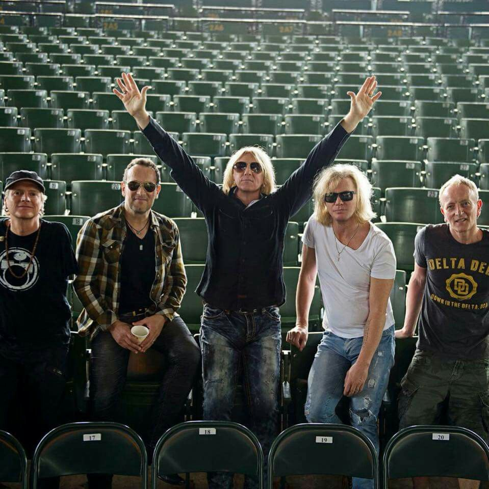 Really great pic of the guys! : ) | ♡ DEF LEPPARD ♡ in ...