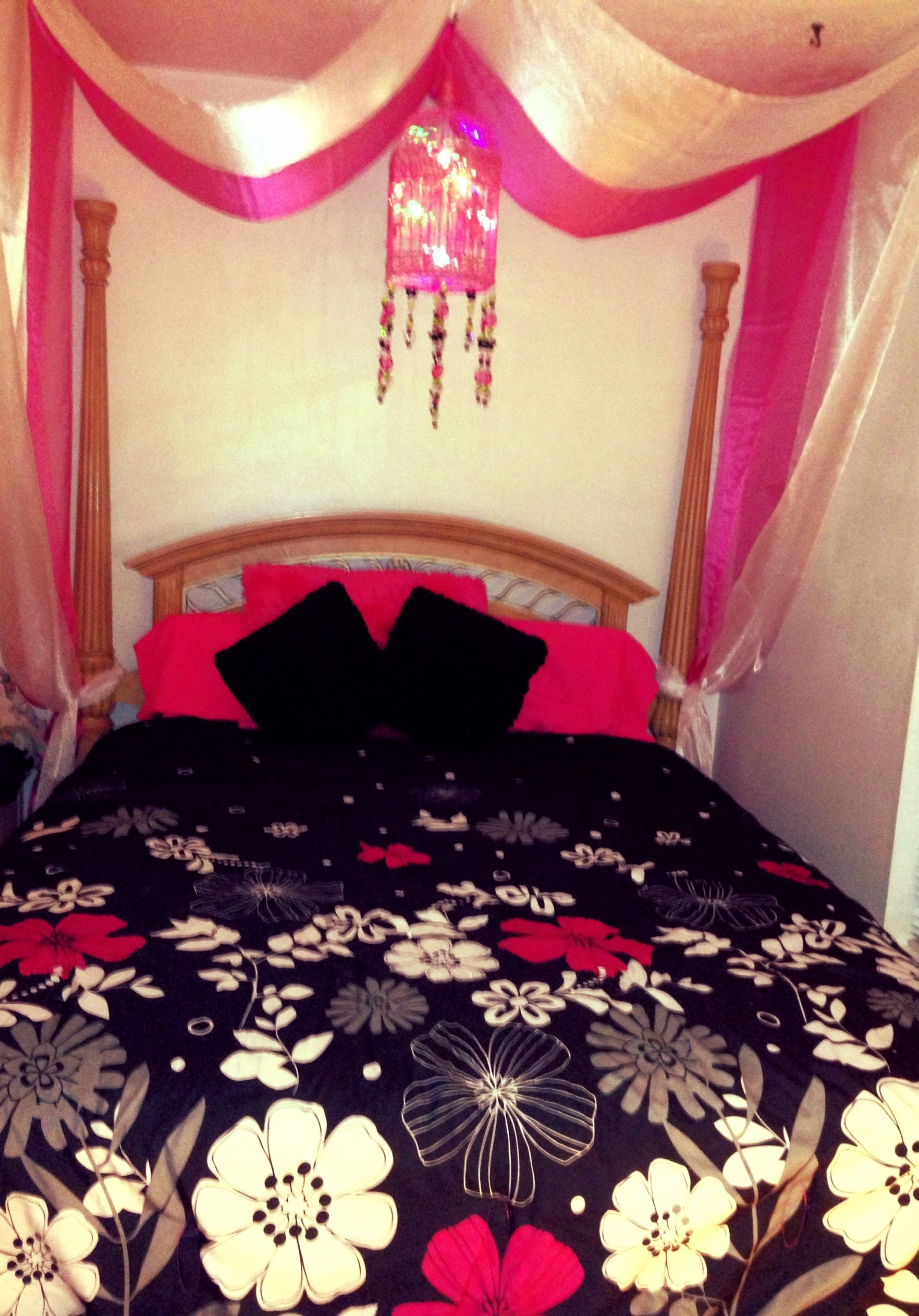 innovative girls bedroom chandelier | Canopy bed girls room chandelier | Chandelier | Pinterest ...