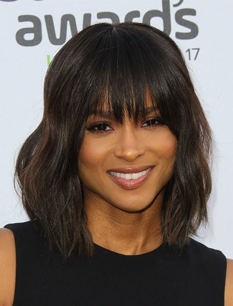 8 Haircuts That Take Off 10 Years Short Haircuts Haircuts And Bobs