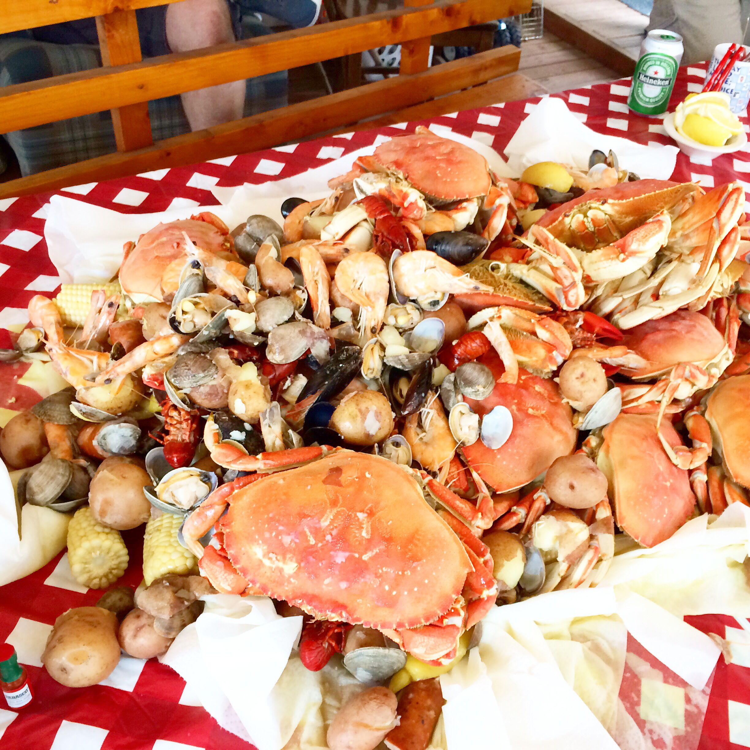 Seafood Boil For 22 People. 15 Dungeness Crab, 3lbs Manila