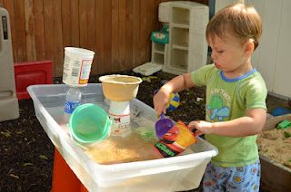 #ThriftyThursday DIY Water play station for kids. Cheap and hours of fun