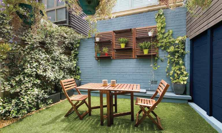 65 Anos Comex Small City Garden Small Backyard Gardens Backyard Spaces