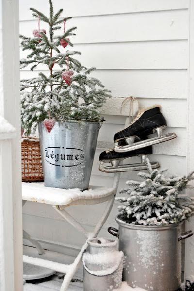 Schöne Idee Für Den Winter. Verleiht Dem Haus Oder Garten Sofort Eine  Weihnachts Atmosphäre