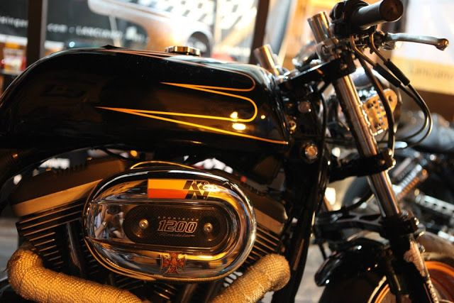 RocketGarage Cafe Racer: Harley 1200