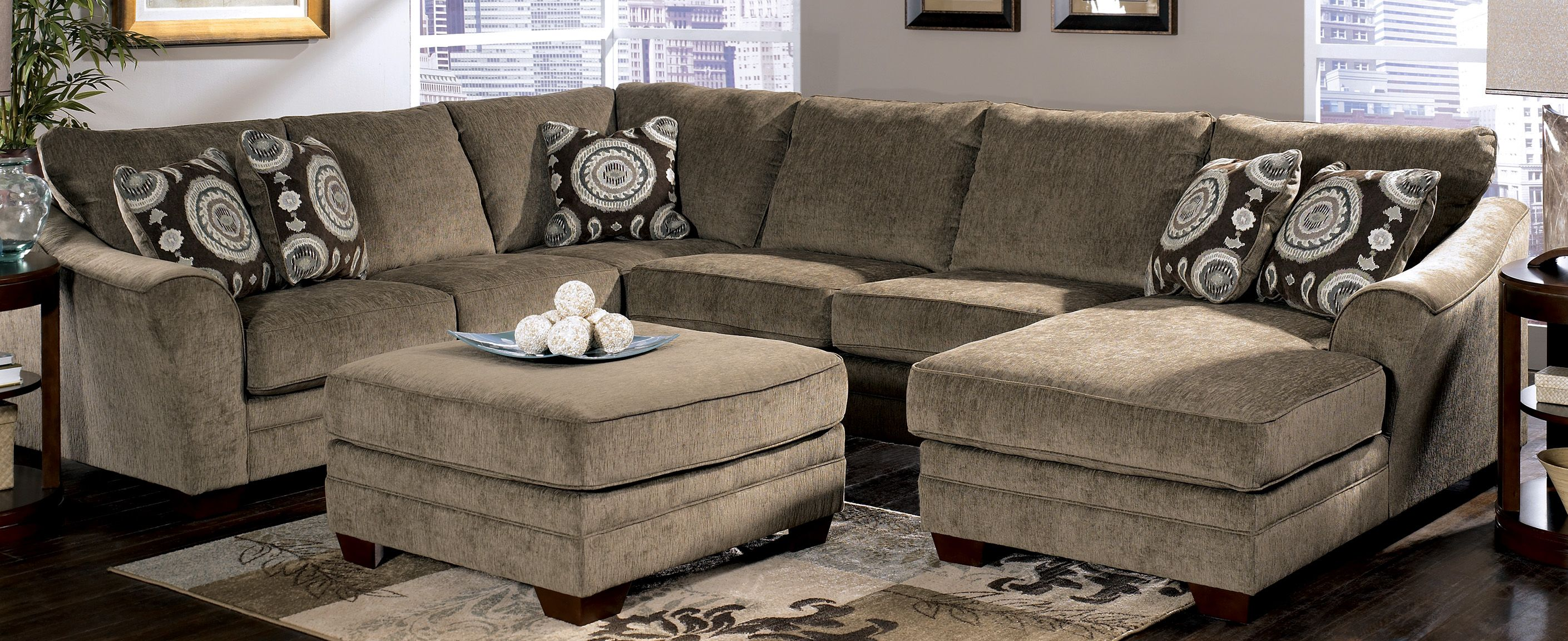 discount sectional sofa living room furniture cincinnati ohio area signature design by ashley. Black Bedroom Furniture Sets. Home Design Ideas