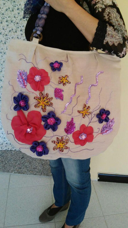 comprare on line 1099d f2a4c borsa in lino con maniche fiori ricamata a mano   borse ...