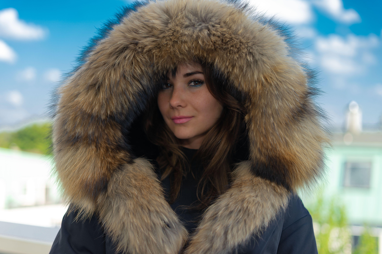 Winter Lange Typ Echtpelz Waschbären Große Mit Kapuze Parka Daunenjacke Männer Fuchspelz Mantel Jacken Buy Männer Fuchspelz Mantel Jacken,Pelz
