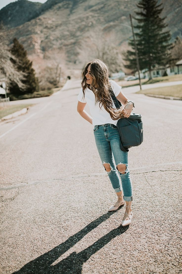 Cutest basic pieces that will take you through all the seasons. I love that white tee and the scarf with the Fawn Design Bag and perfect distressed jeans!