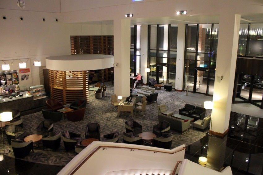 15 amazing luxury hotel lobbies around the world hotel lobby for Amazing hotel design