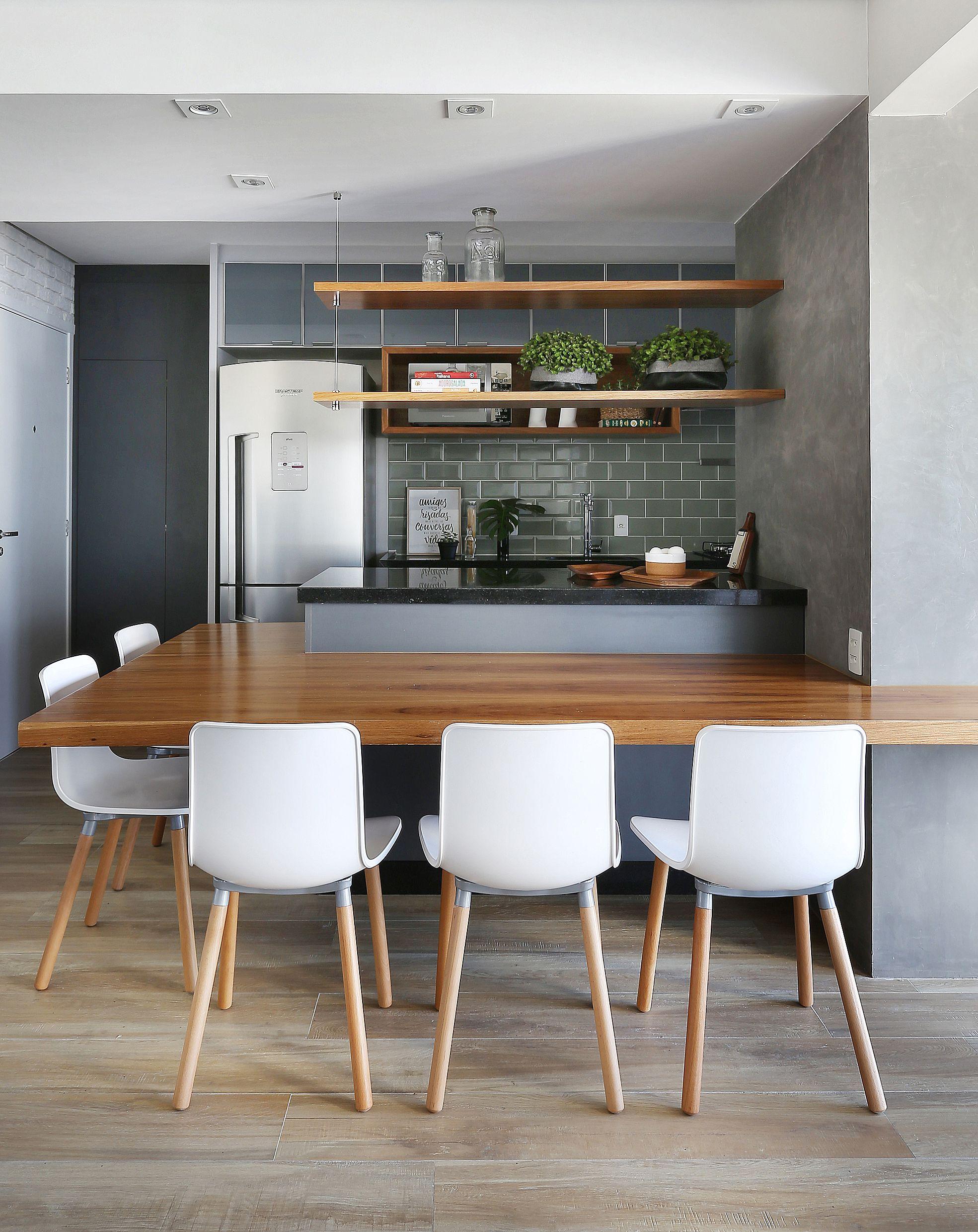 Sala De Jantar Com Cozinha Integrada Atraves Da Mesa De Madeira