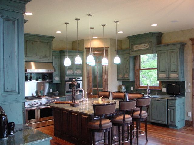 Traditional Antique White Kitchen Cabinets Welcome! This photo gallery has  pictures of kitchens featuring cream or antique white kitchen cabinets in  ... - Distressed-kitchen-cabinets-for-sale.jpg (640×480) Kitchen