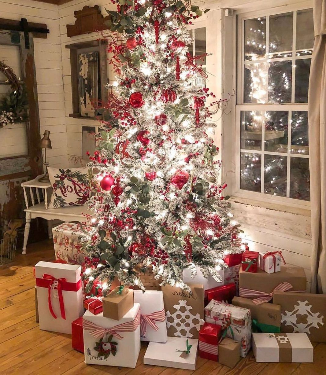 50 Christmas Decorating Ideas For A Joyful Holiday Home Do It Before Me Christmas House Decorations Inside Christmas Home Christmas Decorations Cheap