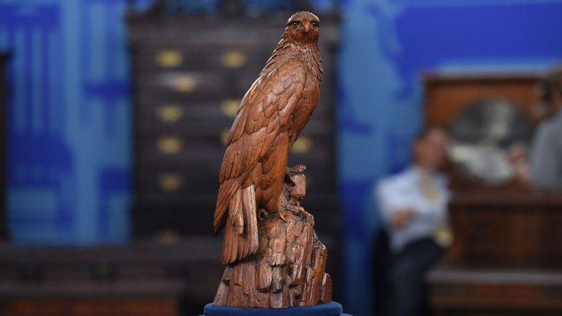Black Forest Carved Eagle, ca. 1900  $1,200 Auction  –  $1,800 Auction