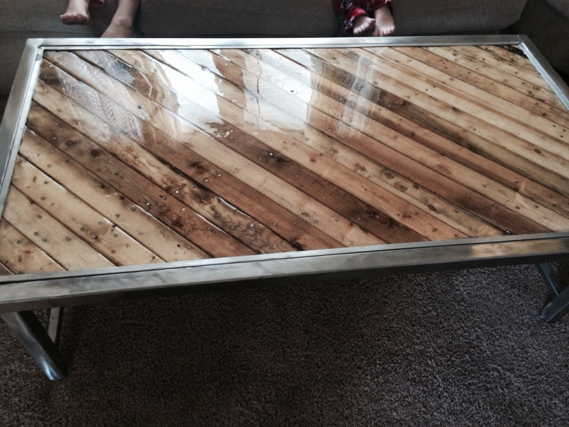 Pallet wood steel frame and aluminum trim diy coffee for Build wood coffee table