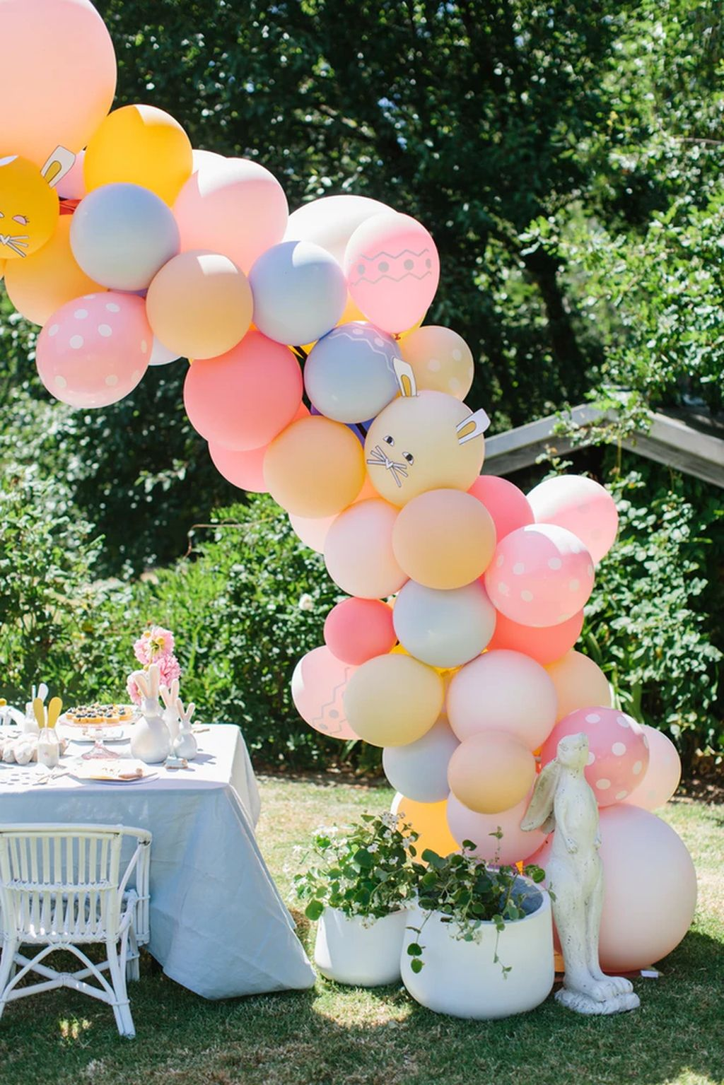 20 Enchanting Easter Outdoor Decoration Ideas To Refresh Your Everyday Spirit Easter Party Decor Easter Birthday Party Easter Decorations Outdoor