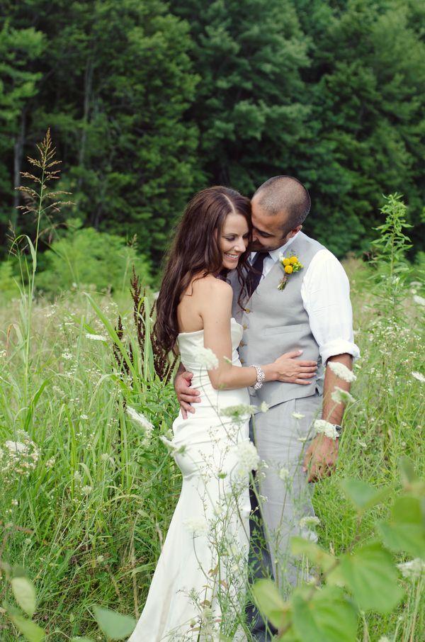 Yellow & Grey Riverboat Wedding In Cincinnati | Bridal Musings | photos by Nikita Gross Photography